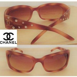 FLASH SALE!! 😎 Chanel Sunglasses